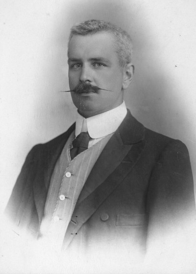 Dr Kenneth McAdam, Collection of Waitaki District Archive 3255