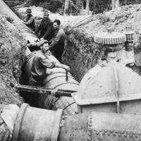 Fluming in Glen Street, 1917. Photograph. Waitaki District Archive 349.
