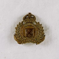 10th Regiment North Otago Rifles Cap badge North Otago Museum 79/726