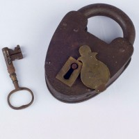 Padlock and key from the Oamaru Gaol, WMA 79/313